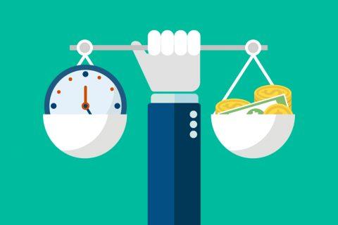 Ilustração de uma balança pesando, de um lado, um relógio; e, do outro, dinheiro.