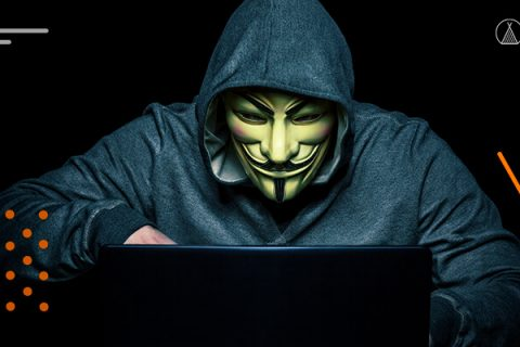 Hacker estudando sobre análise de vulnerabilidades.